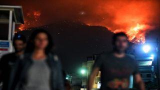 Пожар в Лутраки продолжается уже почти 3 суток