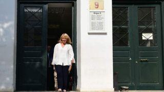 Бывшая губернатор Аттики освобождена после дачи показаний по наводнениям в Мандре