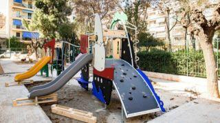 Афины: сегодня открываются детские площадки