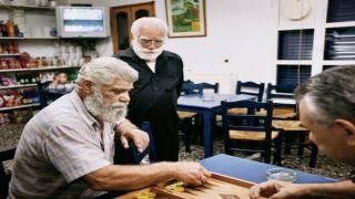 Греки живут долго, но меньше, чем в других странах ЕС