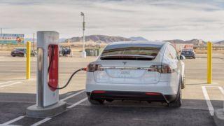 Правительство Греции обдумывает стимулы для электромобилей