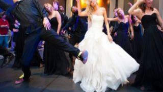 Во время свадьбы воры обокрали автомобили гостей