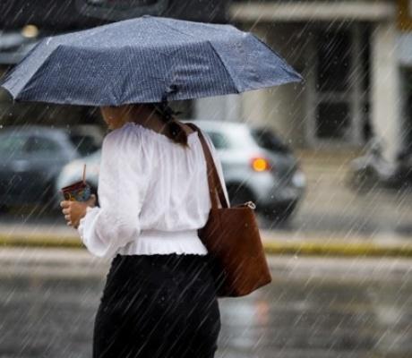 Чрезвычайный прогноз погоды: надвигаются грозы, град и штормовой ветер