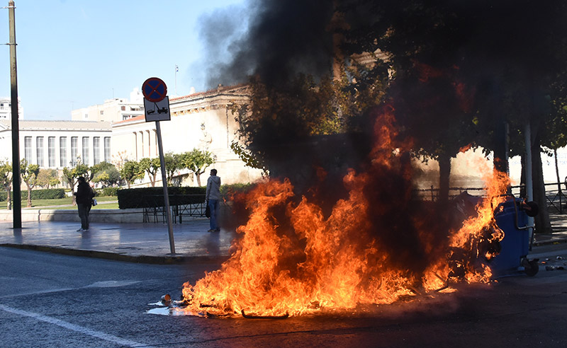 ВАфинах против протестующих студентов полиция применила газ