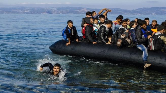 ЕСнамерен переселить беженцев вГреции излагерей вквартиры