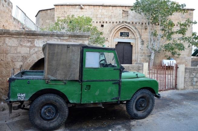 Британия построила на Кипре 12 концлагерей для... евреев