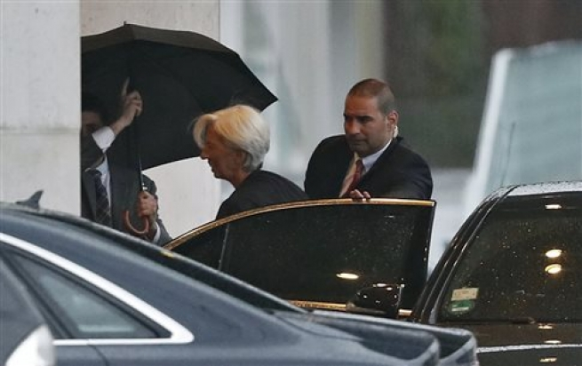 Руководитель МВФ невидит надобности списывать долги Греции