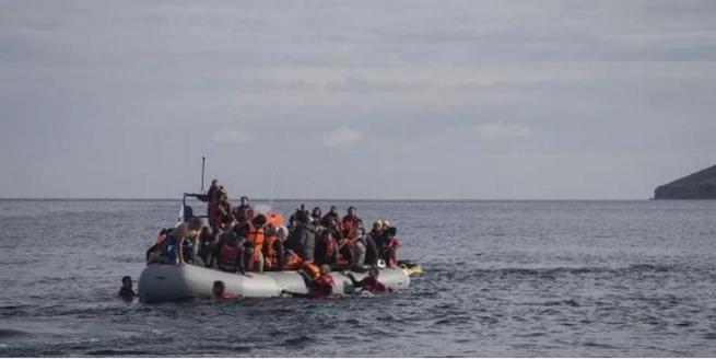 Фронтекс апрельский поток беженцев снизился на 90% в Греции