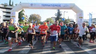 """Тысячи горожан приняли участие в """"30-м пробеге по Афинам"""""""